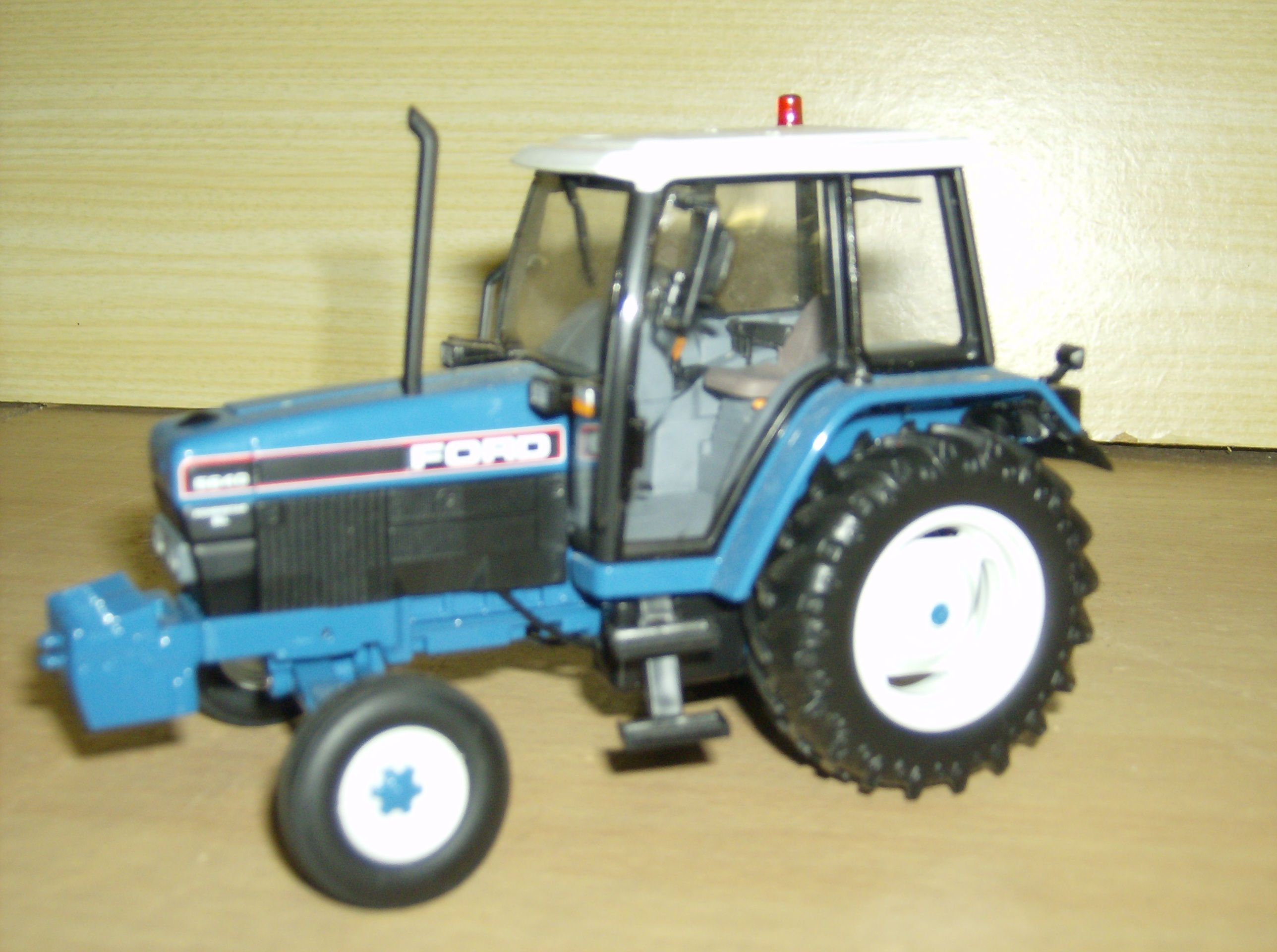 tracteurs miniatures 1/32 - Page 9