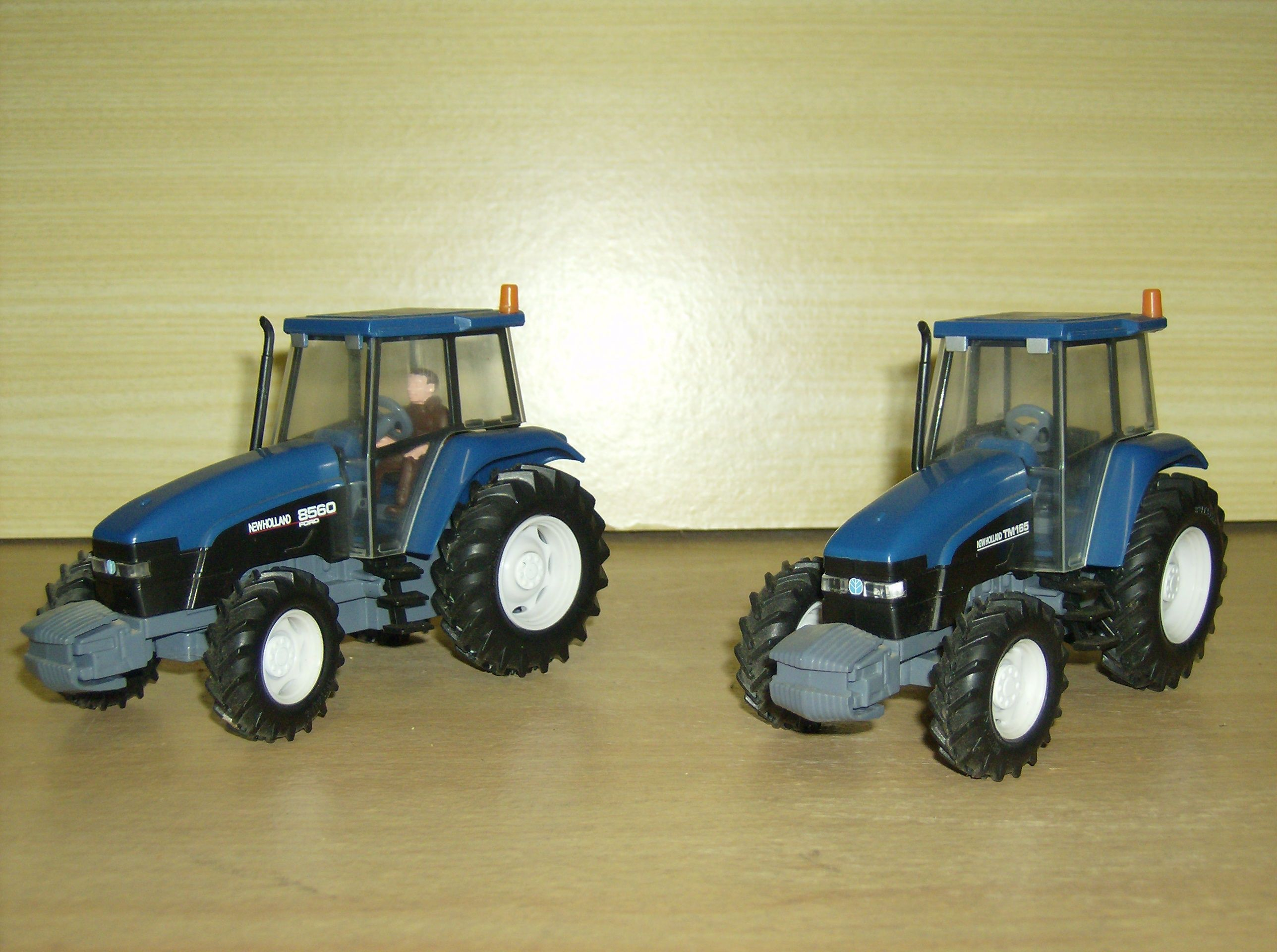 tracteurs miniatures 1/32 - Page 5